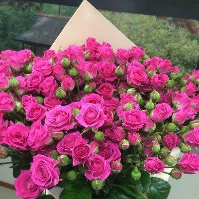 Букеты кустовых роз